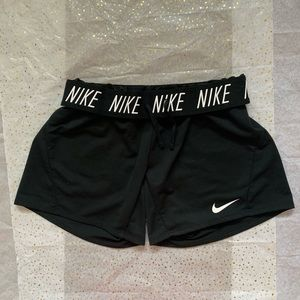 Nike dri-fit breathable short